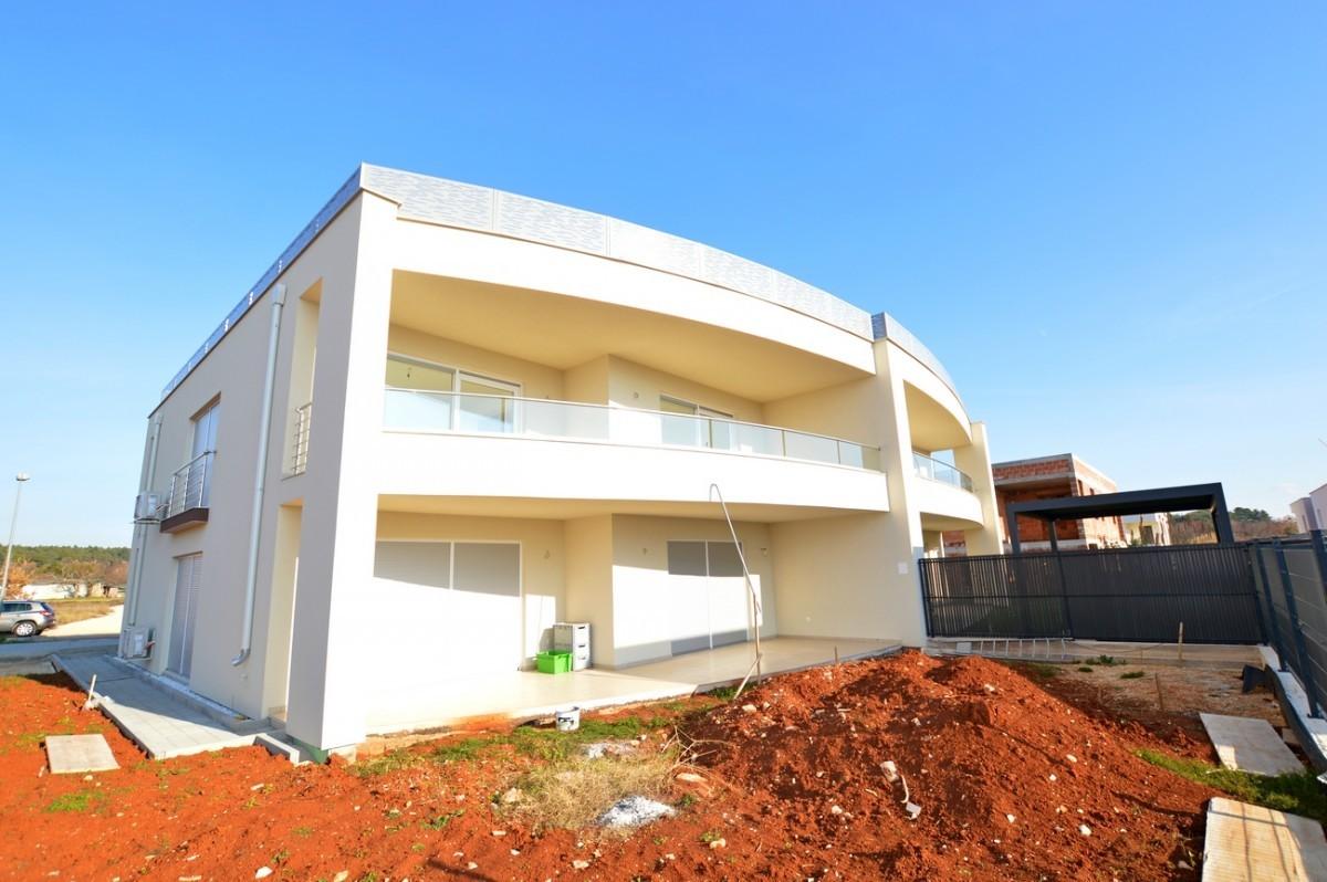 Appartamento Al Primo Piano Con Terrazza Sul Tetto In