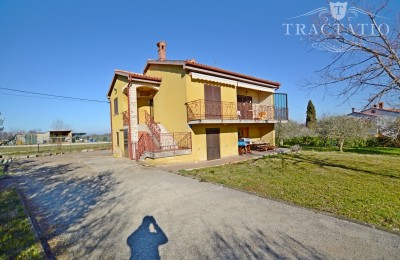 Detached house with garden, Buje, Istria