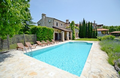 STONE VILLA WITH LARGE HEATED POOL, SEA AND VINEYARD VIEWS