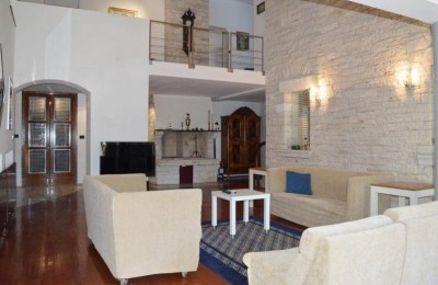 Detached house for sale near the sea in Poreč, Istria