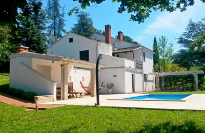 Villa with pool and large garden, Motovun, Istria
