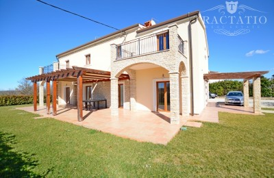 House for sale with swimming pool and sea view, Umag, Istria.